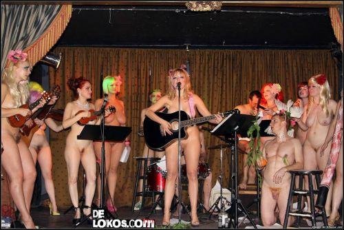 orquesta nudista