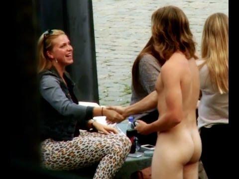 Se puede ligar desnudo?