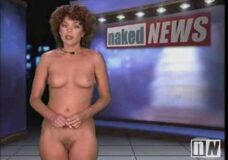 Imagen Carmen Russo dando las noticias desnuda