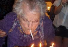 Imagen Que si, que la abuela fuma