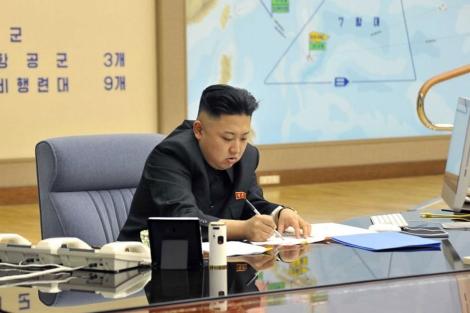 Kim Jong-Un planeando un ataque