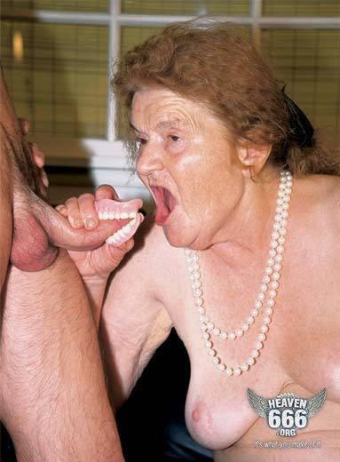 Abuela mejor se chupa sin dientes
