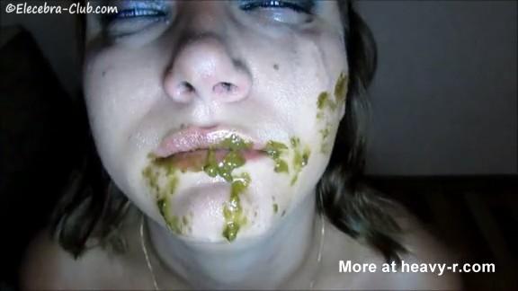 Chica se masturba en biblioteca publica frete a la webcam - 2 part 2