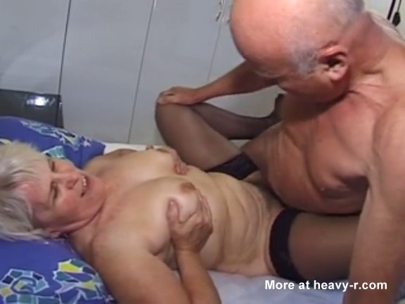Abuelo follando