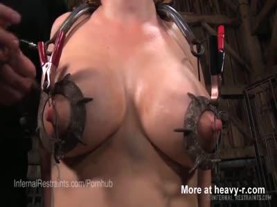 Electricidad Tortura de pezones