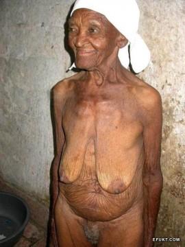 abuelas viejas desnudas