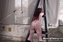 Gordito tortura a la sumisa con electricidad