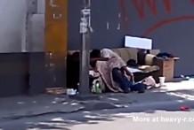 Vagabundos follando en la calle
