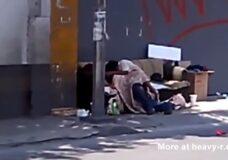 Imagen Vagabundos follando en la calle
