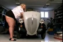 Super gorda tiene sexo con el mecánico