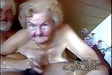 Abuela sexo chupando polla sin dientes al abuelo