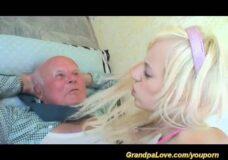 Imagen El último polvo del abuelo con una jovencita