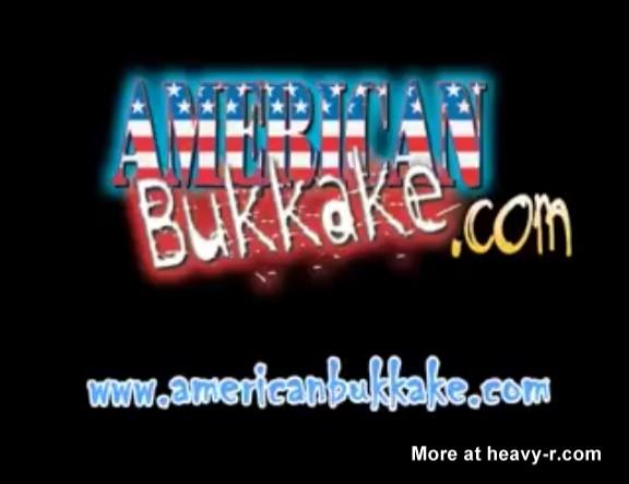 Bukkake brutal y extremo, 40 chicos y una sola chica