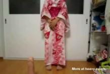 Geisha nos muestra cuánto puede estirar su coño