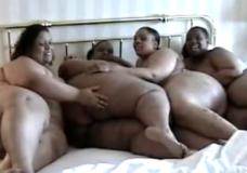 Imagen Cuatro super gordas negras lesbianas