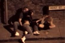 borracha en la calle miniatura