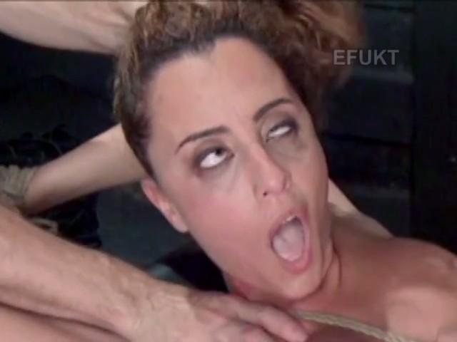 Cara de poseida cuando le follan el culo