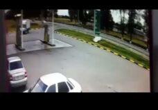 Imagen Gente ardiendo dentro de un coche