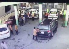 Imagen Hombre aplastado contra un coche