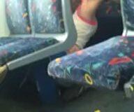 Imagen Chica lesbiana le come el coño a su novia en el tren