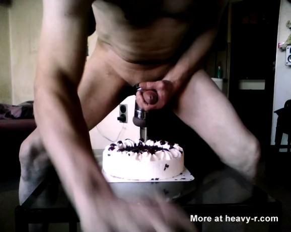 Pajote con un pastel