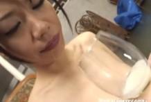 Japonesa inseminada de esperma