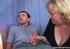 Abuela haciendo porno con dos hombres, fotos XXX