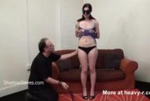 Dura sesión de BDSM casero