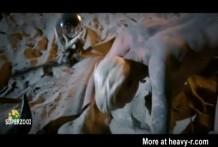 Loco y Bizarro video musical de sexo con lesbianas