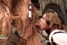 Chewbacca pillado masturbándose