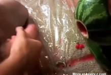 Chicos se follan un melon miniatura