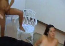 Imagen Dos chicas tiene sexo con un perro, Videos zoofilia
