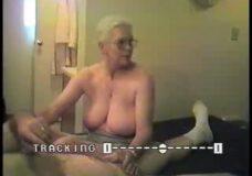 Imagen Abuela hace sensuales pajas