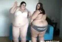 Sexy mujeres gordas bailando por la webcam