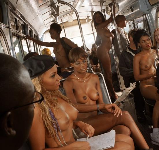 chicas desnudas autobuses