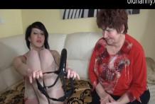 Abuelita encantadora tiene sexo lésbico duro