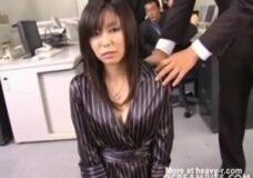 Imagen Secretaria obligada a hacer un gangbang con todo el personal de oficina