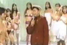 Japonesas enseñan las tetas en un programa de televisión
