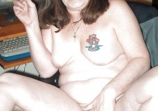 mujeres fumando desnudas