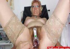 Imagen Abuela peluda con tetas grandes