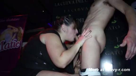 Fiesta de sexo oral salvaje con una gorda