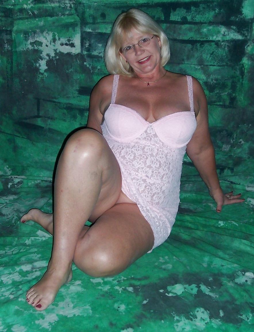 Fotos de Señoras mayores desnudas y vestidas como putas 13