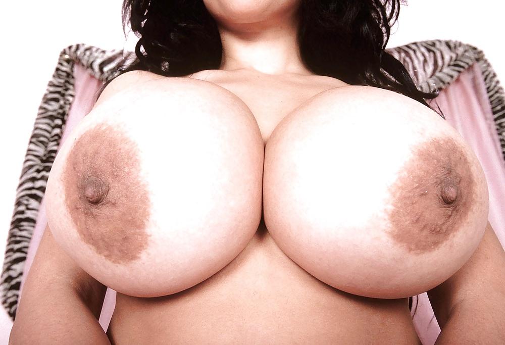 Grandes pechos y pezones masculinos