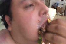 Chupando la polla al hombre basura thumb0 218x147 - Chupando la polla al hombre más asqueroso del mundo