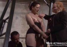 Imagen Mujer doblemente dominada sexualmente