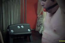 tortura con pistola electrica miniatura