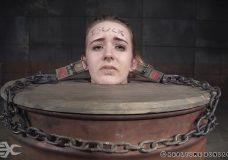 Imagen Mujeres en máquinas de torturas sexuales, Fotos