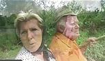 El abuelo se folla a una abuela tetona y a una adolescente