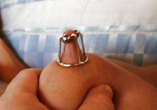 Pezones con piercings y cadenas 10