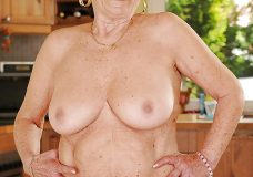 Abuelas y ancianas teniendo sexo en fotos 17